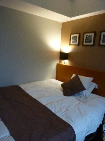 simple room, double bed - Picture of Hotel MyStays Kyoto