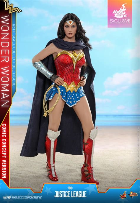 Hot Toys Justice League - 1/6th scale Wonder Woman (Comic