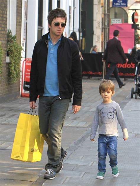 Noel Gallagher, Donovan Gallagher - Noel Gallagher and