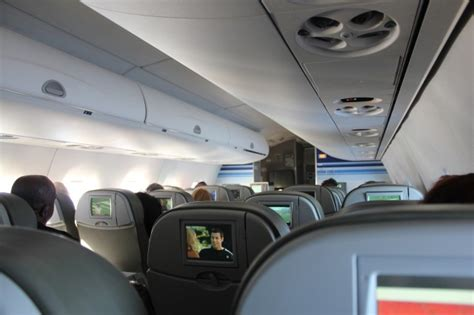 Reviewing a JetBlue Embraer E-190 Flight From The Bahamas
