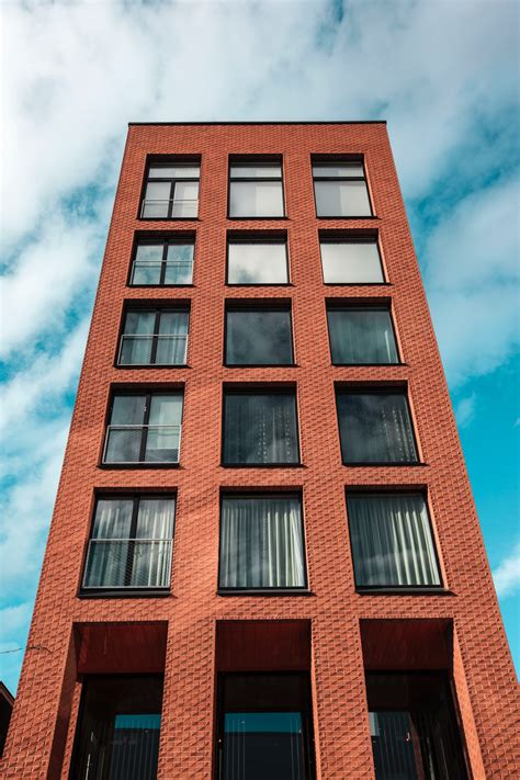 Low Angle Shot of Building · Free Stock Photo