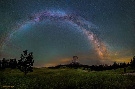 Astrophotographer Captures The Milky Way Shining In All
