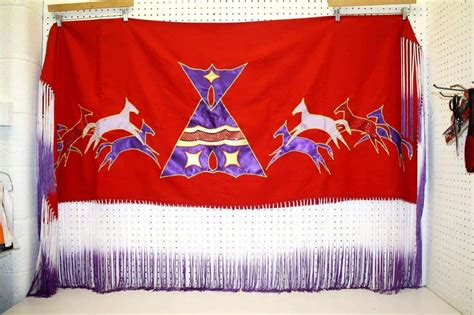 NICE LARGE HAND CRAFTED RED HORSES & TIPI DESIGNS NATIVE