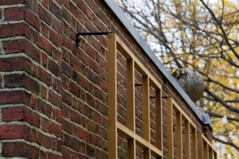 Hanging a trellis - the right way