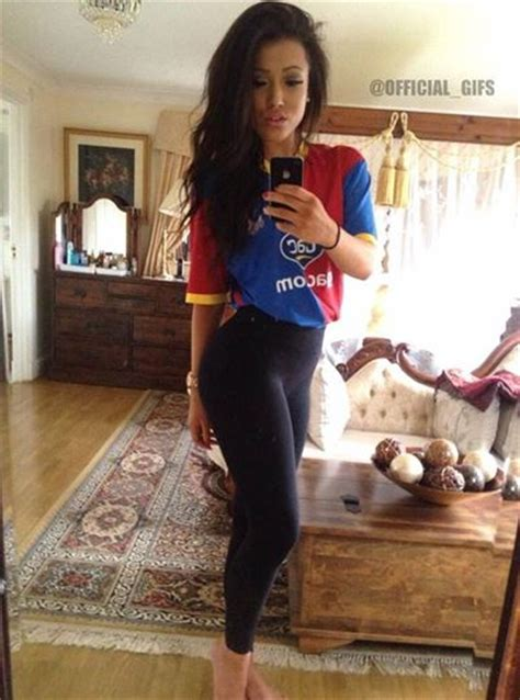 Stunning Gallery! 50 Really Hot Women In Football Shirts